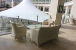 Удобни маси и столове ратан бежови