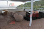 Маси и столове, произведени от евтин ратан