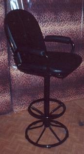 Въртящ се бар стол