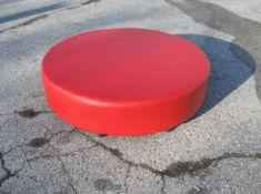 Червена детска табуретка